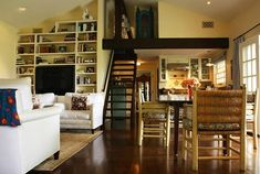 Home Design Interior Guest House Designs Decorating Ideas 2 Cabins And Cottages, Tiny Spaces, Small House Design, Celebrity Houses, Outdoor Rooms, Home Living Room, Living Spaces, Small Living, Home Interior Design