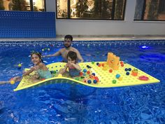 Happiness at the swimming pool! Baby Spa, Children, Kids, Swimming Pools, Outdoor Decor, Happiness, Young Children, Young Children, Swiming Pool