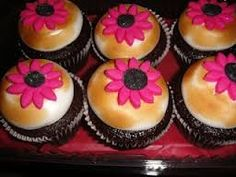 Resultado de imagem para cupcake de cenoura com ganache de chocolate