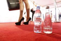 Macht auch eine gute Figur auf dem roten Teppich: evian @ Berlin Fashion Week #bfw #fashion