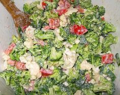 SKINNY BROCCOLI SALAD (This recipe came from my Weight Watchers page of healthier recipes.) 2 stalk(s) uncooked broccoli, Chopped 1 head(s) (medium) uncooked cauliflower, Chopped cup(s) … Skinny Broccoli Salad, Broccoli Cauliflower Salad, Brocolli Salad, Brocolli Cheese, Broccoli Florets, Kale Salad, Tomato Salad, Plats Weight Watchers, Weight Watchers Meals