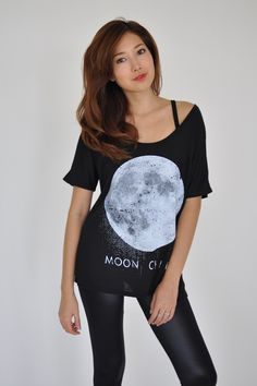 The moon tee is the perfect sleep shirt.  What better way to drift off to sleep? Pretty Little Liars