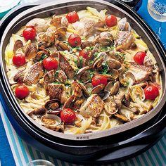 あさりと白身魚のワイン蒸しと魚介のパスタ#レシピ#ひな祭り#パーティ Paella, Pasta Salad, Dishes, Cooking, Ethnic Recipes, Foods, Crab Pasta Salad, Kitchen, Food Food