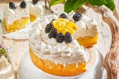 Τούρτα παγωτό λεμόνι από την Αργυρώ Μπαρμπαρίγου! Eat Greek, Lime Cake, Food Categories, Lemon Lime, Sweet Recipes, Cheesecake, Ice Cream, Sweets, Desserts
