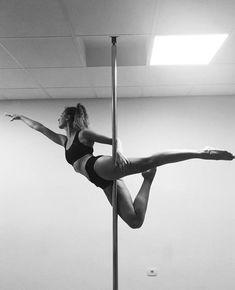 70 Ideas Sport Photography Fitness Inspiration For 2019 Pole Fitness Moves, Pole Dance Moves, Pole Dancing Fitness, Dance Poses, Barre Fitness, Fitness Exercises, Pole Dance Studio, Aerial Dance, Aerial Hoop