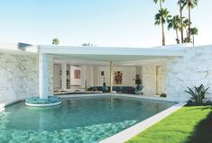 Palm Springs Real Estate, Mid century Modern Architecture The home's opulent pool features a swim-up bar that provides easy access from the living room when the sliding glass doors are open. Palm Springs Häuser, Palm Springs Real Estate, Palm Springs Style, Spring Architecture, Vintage Architecture, Modern Architecture House, Architecture Details, Palm Springs Mid Century Modern, Pool Pool