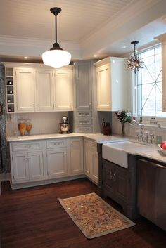 love the corner cabinet on the countertop.  Great use of unused space