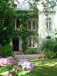 Gorgeous homes exterior on pinterest ivy english manor for Belle chambre atlanta