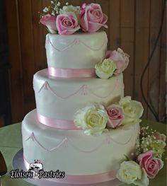 Pretty and Pink with fresh roses #weddingcake #roses #babypink #eloisespastries #elegant #warrentonVA