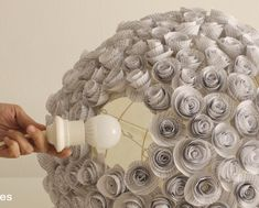 Lampara flores de papel recicladas paper lamp