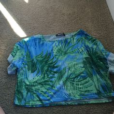 Palm tree crop top Palm tree crop top size 4 super cute only worn 1x Urban Outfitters Tops Crop Tops