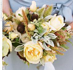 Earthy wedding flowers