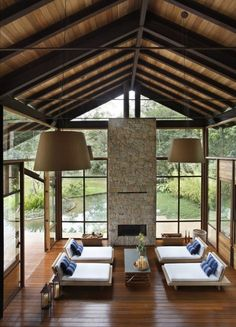 holiday pad in the Brazilian mountains - The Black Workshop