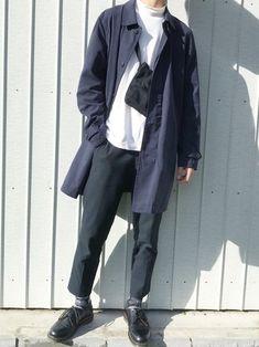 Instagram→@shino___ry コートにはモックネックがおすすめ👍 Dr. Martens, Raincoat, Normcore, Mens Fashion, How To Wear, Jackets, Style, Instagram, Rain Jacket