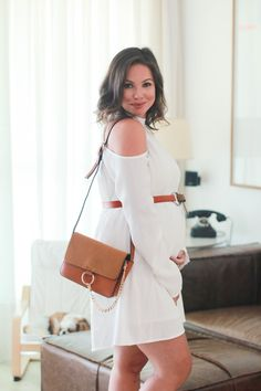 Juliana Goes ( Juliana Goes, Pretty Pregnant, Real Queens, Cold Shoulder Dress, Shoulder Bag, Maternity Fashion, Maternity Style, Little Babies, Pregnancy