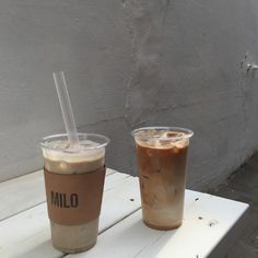 pinterest @omakowsky ☾ But First Coffee, Coffee Love, Hot Coffee, Coffee Break, Iced Coffee, Coffee Drinks, Morning Coffee, Coffee Shop, Coffee Cups