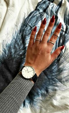 hvi.sk/r/4reO- Follow the link for these#beautiful#jewelry-#hvisk #hviskstyling#hviskstylist #styling#cheap#new #accessories#jewellery #red #nails #watch