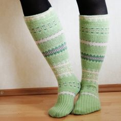 A creative way to upcycle an old sweater. Use this tutorial to turn those sleeves into warm socks!