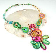 Soutache Necklace, Shibori, Types Of Fashion Styles, Fiber Art, Beads, Handmade, Accessories, Inspiration, Necklaces