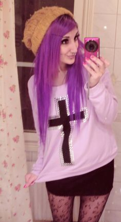 Pastel Goth - wouldnt do the hair or silly expression but I quite like the outfit Pastel Goth Outfits, Pastel Goth Fashion, Purple Outfits, Cute Outfits, Teen Outfits, Kawaii Fashion, Fasion, Fashion Fashion, Fashion Women