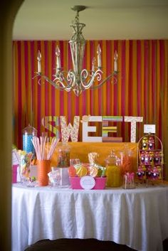candy parties Sheek Shindigs: girl parties Make sweet shop with styrofoam Candy Table, Candy Buffet, Crepe Paper Backdrop, Paper Streamers, Military Party, Birthday Parties, Girl Parties, 16th Birthday, Throw A Party
