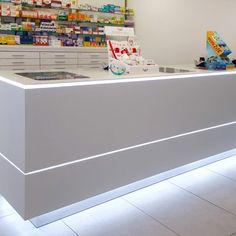 Farmacia Salomé Pacheco Apotheka Convinience Store, Mobile Shop Design, Gaming Center, Pharmacy Store, Mobile Phone Shops, Boutique Decor, Cosmetic Shop, Store Fronts, Counter