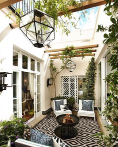 Bold yet simple pattern for outdoor living