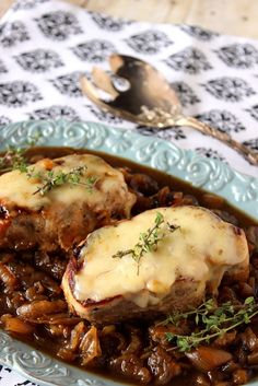 French Onion Pork Chops Just made this today Delicious! French Onion Pork Chops Just made this today Delicious! Pork Chop Recipes, Meat Recipes, Cooking Recipes, Pork Meals, Cooking Kale, Cooking Pork, Cleaning Recipes, Recipes Dinner, Potato Recipes