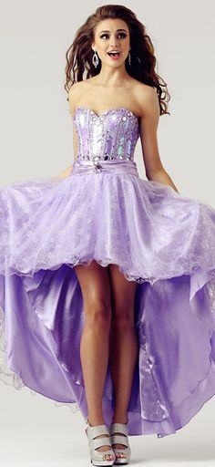 I really like the lace overlay on the skirt!