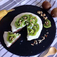 Un gâteau sain sans matières grasses et très peu de sucre non raffiné en plus!   À base de diverses céréales, de cacao et de banane  #recette#healthy#chocolat#cacao#banane