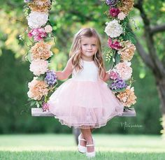 Girl on a Swing Swing Photography, Toddler Photography, Newborn Photography, Family Photography, Indoor Photography, Photography Ideas, Swing Pictures, Girl Pictures, Girl Photos