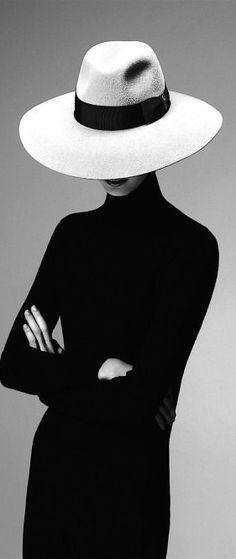 By Emilio Tini for Borsalino fashion photography Photographie Portrait Inspiration, Fashion Photography Inspiration, Mademoiselle Mode, Photography Women, Portrait Photography, Photography Ideas, Concept Photography, Clothing Photography, Summer Photography