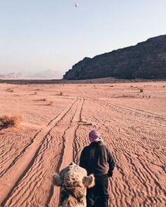 Viver experiências novas e desafiadoras é com certeza uma das maiores motivações para conhecer a Jordânia e, mais especificamente, o deserto de Wadi Rum.