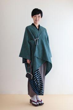 She is wearing dhoti (harem) pant Kimono Japan, Yukata Kimono, Japanese Outfits, Japanese Fashion, Kimono Fashion, Fashion Outfits, Traditional Japanese Kimono, Modern Kimono, Kimono Coat