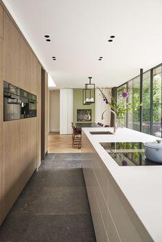 ENZO architectuur & interieur ® Droom in de duinen Rustic Kitchen Design, Home Decor Kitchen, Kitchen Interior, Kitchen Ideas, Cheap Kitchen, Modern Minimalist House, Minimalist Kitchen, Interior Architecture, Interior Design