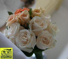 Rose bianche e rosa