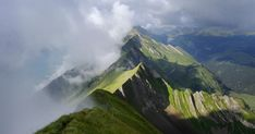 Clouds rolling in over the Brienzergrat in the Bernese Highlands. The view looks to the west over the ridge, showing the Highlands to the left and Entlebuch to the right. Switzerland Destinations, Places In Switzerland, Switzerland Vacation, Lucerne Switzerland, Best Hikes, Top Of The World, Weekend Trips, Beautiful Landscapes, Travel Inspiration
