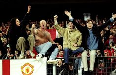 fans salute their victorious heroes after the Reds battled back from a deficit to beat Juventus in the 1999 Champions League semi-final. Manchester United Images, Manchester United Legends, Official Manchester United Website, Manchester United Soccer, Leeds United, Liverpool Images, Look Back In Anger, Manchester United Football