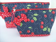 Flower Phone Wallpaper, Fabric Combinations, Geometric Pillow, Cosmetic Bag, Sewing Crafts, Coin Purse, Patches, Jewelry Making, Cosmetics