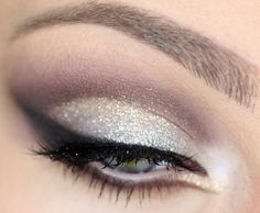 Sexy wingtip eyeshadow for ANY eye color really; blue eyes, green eyes, hazel eyes, brown eyes!