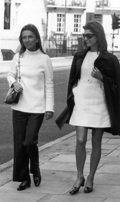 Style icons - Jacqueline Bouvier Kennedy Onassis and her sister- Lee Radziwill and Jackie.jpg
