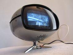 VINTAGE 1960s SPACE AGE JAPANESE EAMES ERA ATOMIC PANTON OLD MINI TELEVISION !