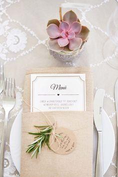 Lucie & Fabrice: Sommer und Vintage-Hochzeitszauber KAI UND KRISTIN FOTOGRAFIE http://www.hochzeitswahn.de/inspirationen/lucie-fabrice-sommer-und-vintage-hochzeitszauber/ #wedding #vintage #decor