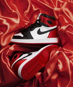 Website For Discount Nike Shoes Air Jordan Shoes! Website For Dis Jordan Shoes Girls, Air Jordan Shoes, Girls Shoes, Jordan Nike, Air Jordan Red, Girls Basketball Shoes, Michael Jordan Shoes, Jordan Outfits, Souliers Nike
