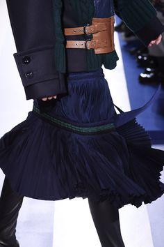サカイ(sacai)2015-16年秋冬コレクション Gallery37 Neo Futurism, Knitted Skirt, Fashion Details, Fashion Design, High Fashion, Womens Fashion, Yamamoto, Draping, Japanese Fashion