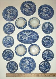 Adorable Antique CHILDRENS BLUE WILLOW Plate Set - Miniature Play Tea Party Dinnerware China - 21 pieces- Japan