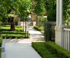 Follow link for pool design idea.   Simplicity and formality fuse together to create an elegant garden design.