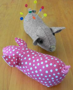 A gorgeous pincushion that can be made in cotton orwool felt. Measures2-1/2in Tall x 6in Long.Can be made in as little as 2 hours and is a fat quarter friendly project!