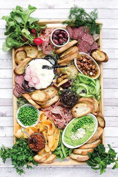 Charcuterie Recipes, Charcuterie Platter, Charcuterie And Cheese Board, Charcuterie Display, Party Food Platters, Buffet, Brunch Party, Food Places, Food Inspiration