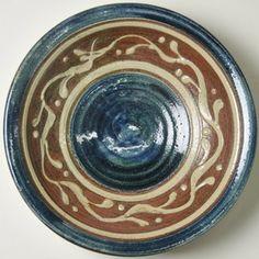 読谷山焼・北窯宮城正享尺皿イッチン呉須(やちむん・民藝) Pottery Plates, Navy And Brown, Ceramic Clay, Okinawa, Painting Techniques, Bone China, Decorative Bowls, Dishes, Tableware